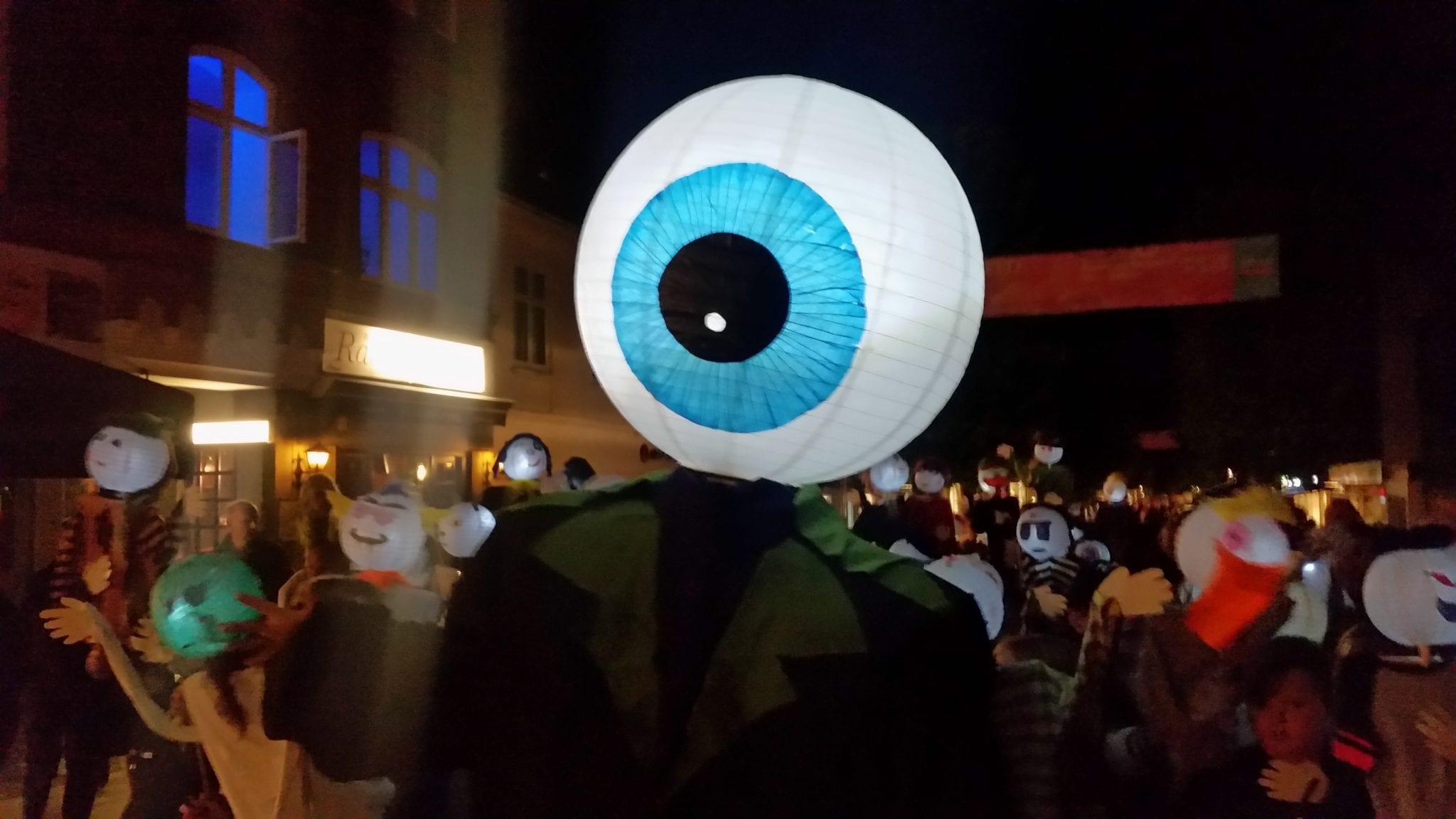 """""""Lysende Mænd"""" optog - kulturnat 2018"""